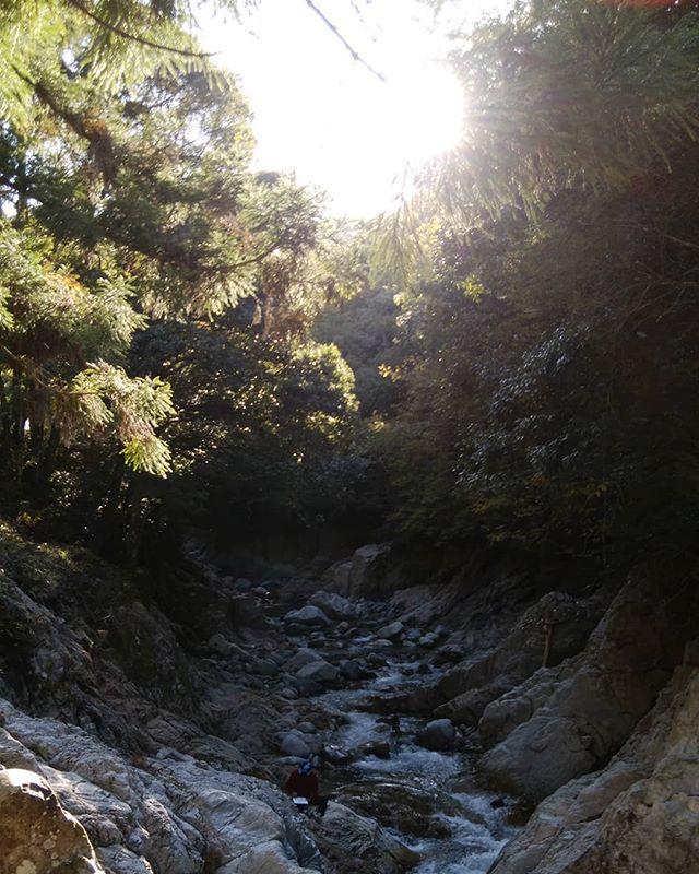寒い〜温泉入ってこの渓谷はチトつらい父ちゃんボチボチ帰りましょうで〜#福山神辺#鈍川温泉#スケッチ