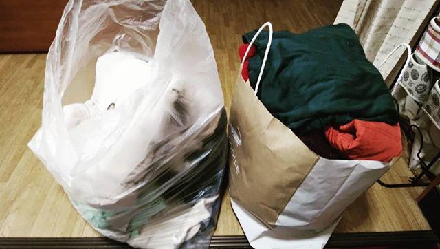 断捨離ジャンバー4-5枚セーター マフラーGパン その他今使えるものばかり捨てるには心が痛む古着屋さんへさぁ!ナンボだったか?#福山神辺#古着屋#ハウマッチ?