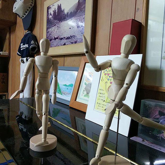 デザイン用人形欲しくて画材やさんを何店も探したが…………… ひょんな所にあったあんなに探したのにフックを探しに100均へ行って見つけました️ 300円なり恐るべし100均️ #福山神辺#デザイン人形#100均